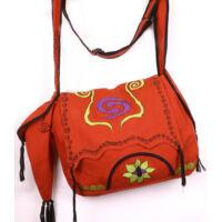 Hímzett piros táska