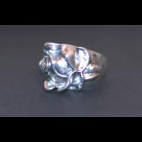 Forma gyűrű rózsa