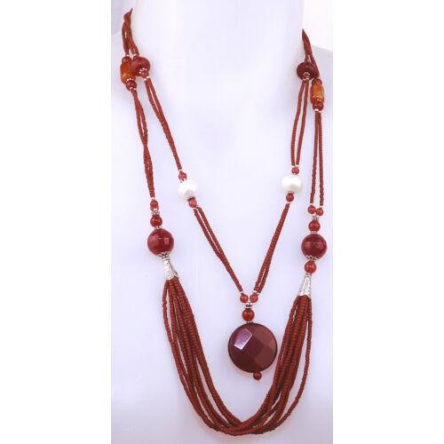 Vörös gyöngyös nyaklánc