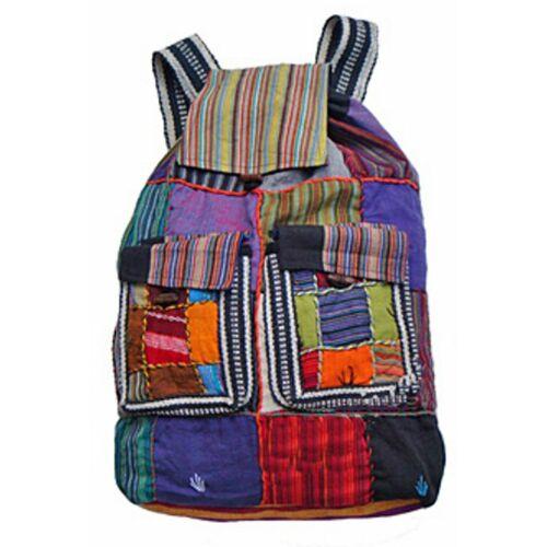 Foltvarrott hímzett hátizsák
