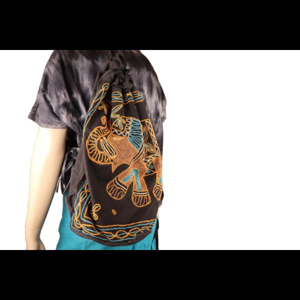 Hímzett elefántos táska több szín