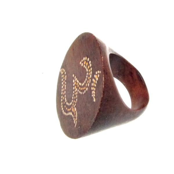 Fa OM gyűrű 17