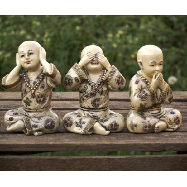 Buddhista szerzetesek 3 szobra